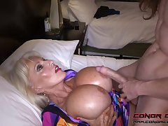 Stupendous jugged, platinum-blonde grandma doesn't plan to stop penetrating men, because it perceives so excellent