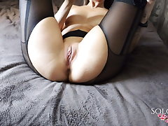 Sexy Girl Passionate Play Pussy Sex Toys in the Badroom