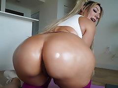 Valentina Jewels - Yoga
