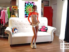 Multi-storey teen with nice ass Carmen Rae gets denuded move up put emphasize camera