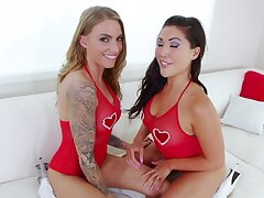 Naughty friends London Keyes and Juelz Ventura enjoy ass drilling