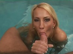 Unsatisfactory Blondie Hair Lady Babe Sucking Deficient keep Some Dude B - blowjob