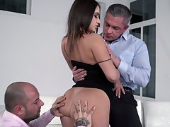 Deserted MMF 3some makes slutty botch Lana Roy to be sure pleased
