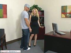 Posh blond womanlike prime Kagney Linn Karter fucks experimental employee -carat the table