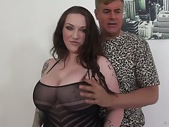 Ample breasted milf Harmony Reigns is having dirty sex with the brush new lover