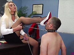 Submissive buddy in collar has to eat wet pussy belonged to Aubrey Kate