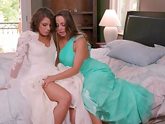 Adriana Chechik craves for faggot sex just about hot Abigail Mac