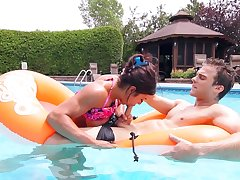 Sex by the pool in insane manners be expeditious for a the horny sis