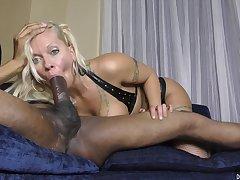 Horny Blond Hair Lady Crackwhore Sucking A BBC