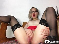 Surprising teacher in stockings pleasures her juicy vagina