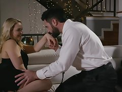 Seductive blonde girl, Mia Malkova is acquiring fucked greatest extent her boyfriend is get a kick from town